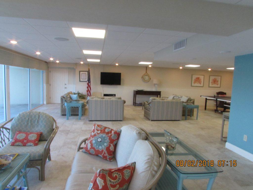 Pelican Lounge